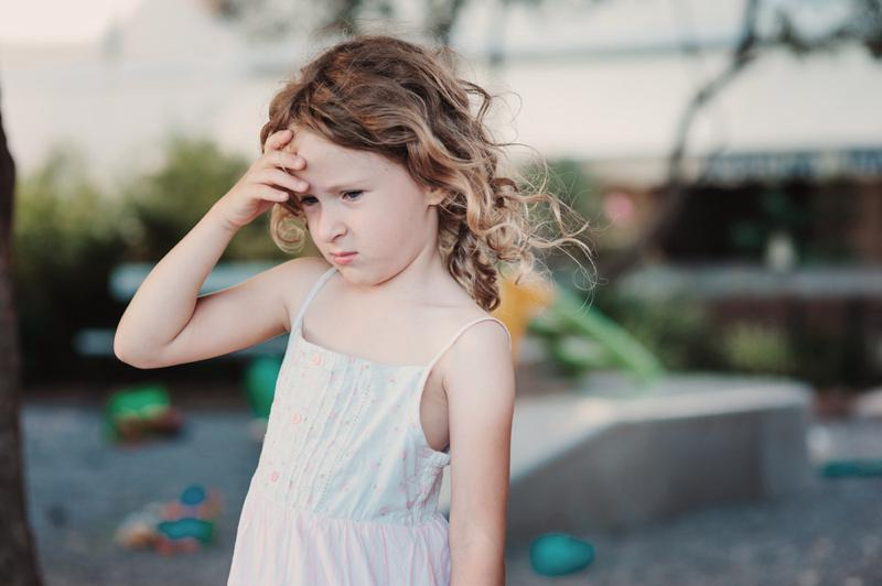 Tinnitus bei Kindern: Ursachen und Behandlung